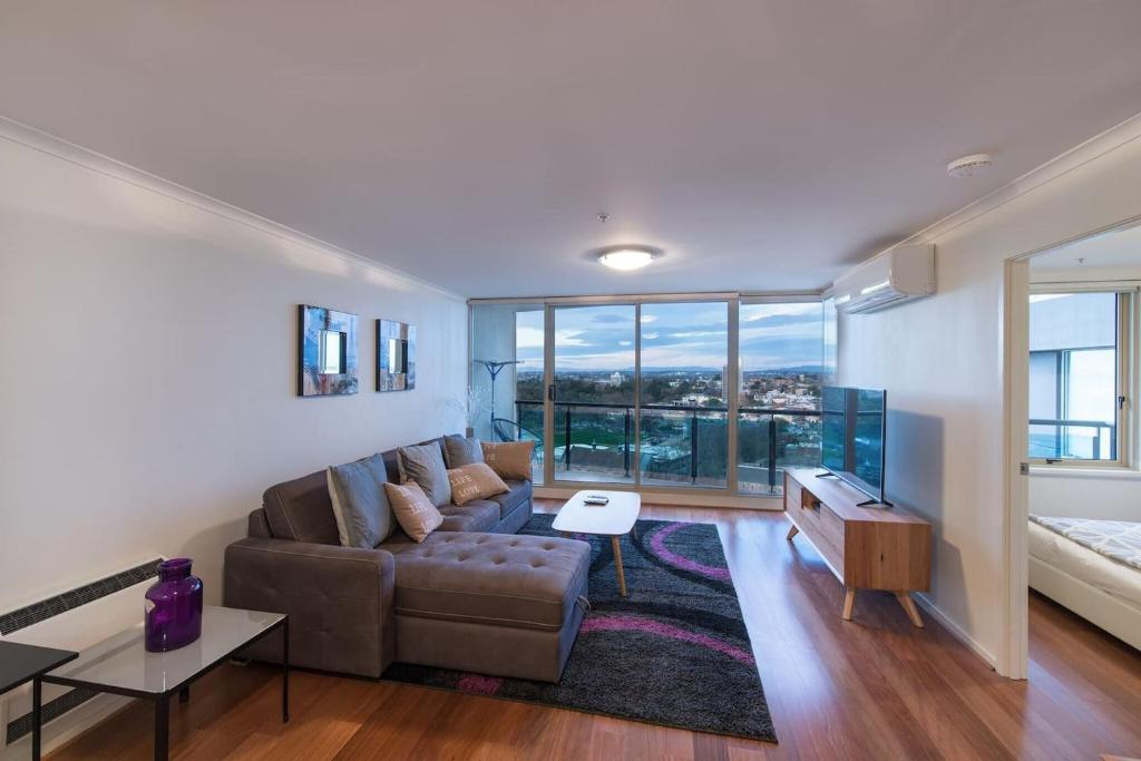 Groovy St Kilda Road Park View 3 Bedroom Luxury Apartment Best Image Libraries Barepthycampuscom