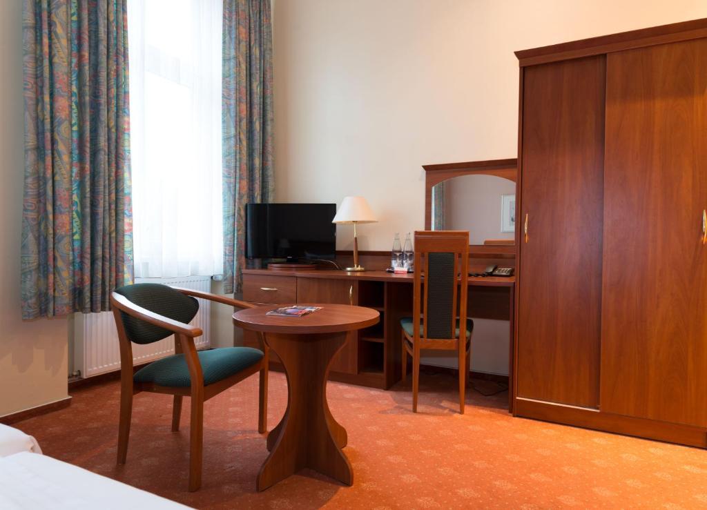 Rewari Hotel Berlin Deutschland Berlin Booking Com