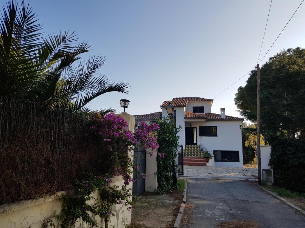 Villa Costa Barcelona, Arenys de Munt – Prezzi aggiornati ...