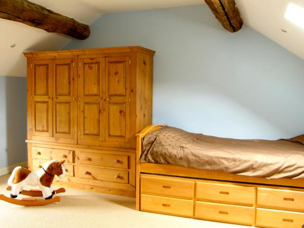 A bed or beds in a room at The Old Robin Hood