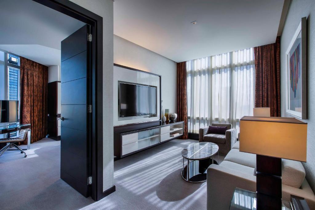 Energian Saasto—These Rosewood Hotels Abu Dhabi