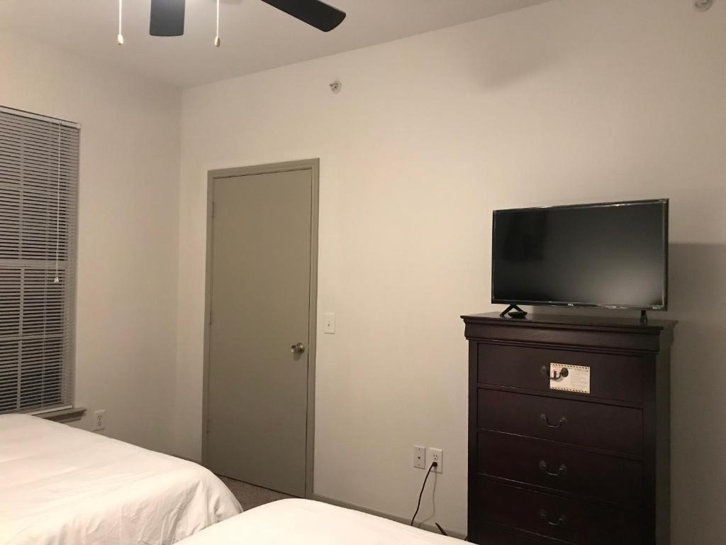 https://s-ec.bstatic.com/images/hotel/max1024x768/125/125819818.jpg