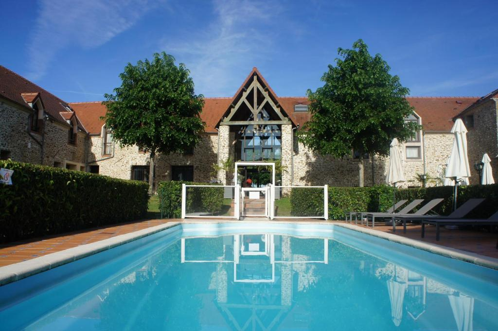 Hotel Domaine De Crcy Crecy La Chapelle France  BookingCom