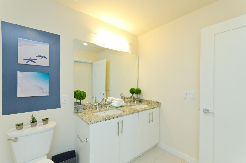 Apartment Downtown San Diego 3 Bedroom Pentho, CA - Booking.com