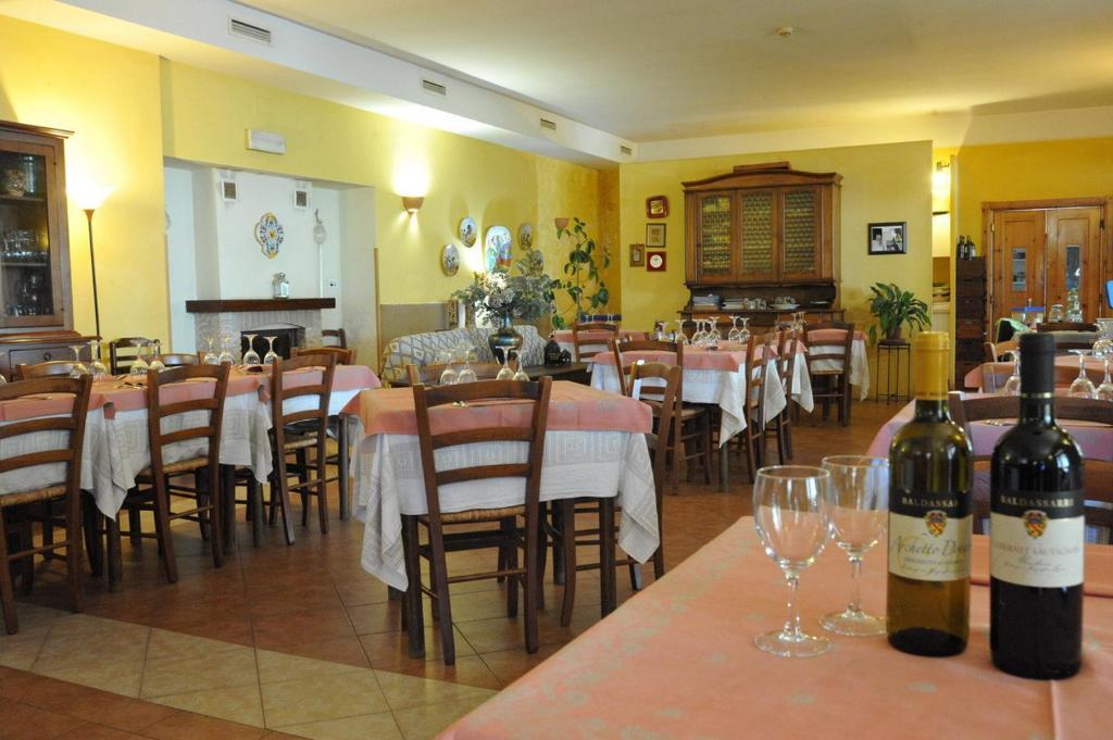La Credenza San Venanzo : Hotel tulliola san venanzo italy booking