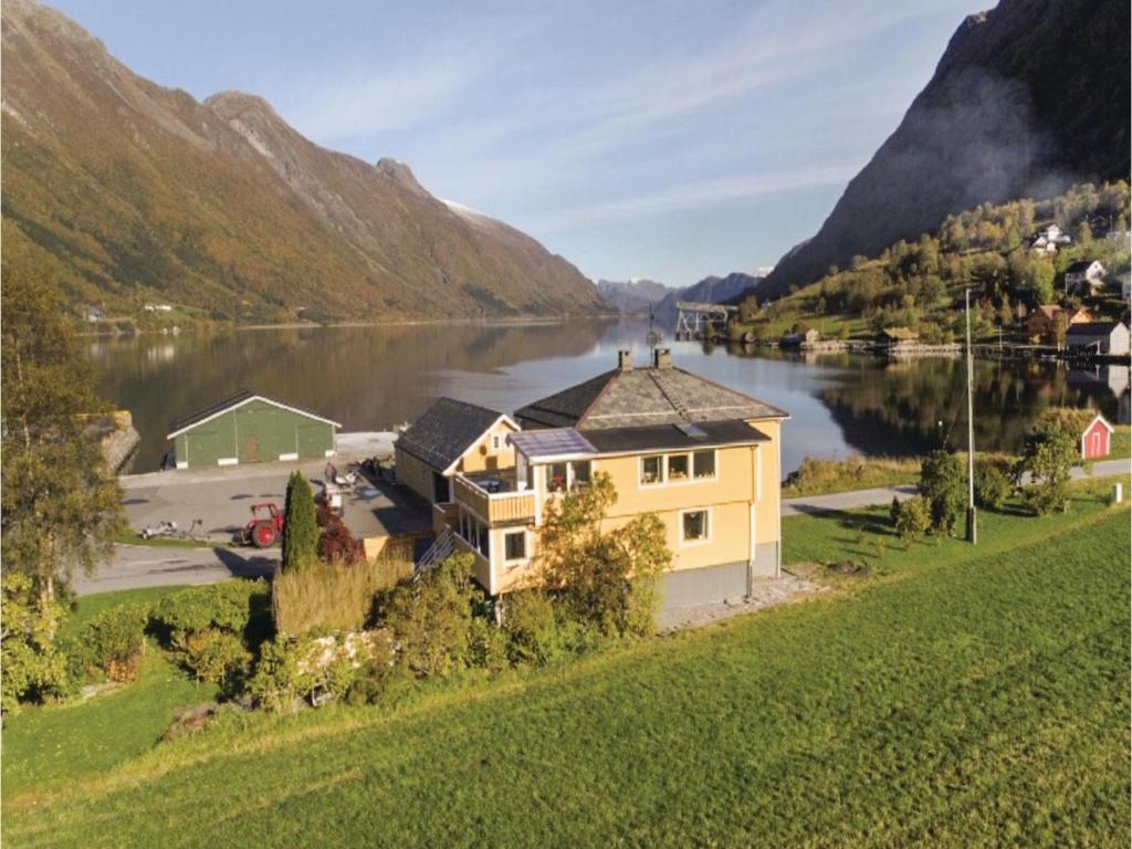 Apartments In Hundsnes Møre Og Romsdal