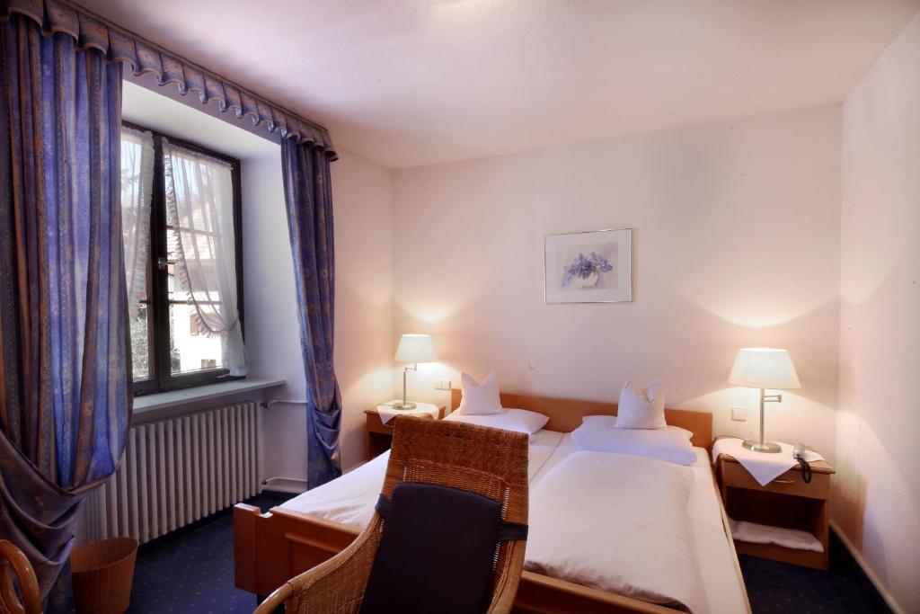 single single stolpen schwarzwald hotel  Prices Treschers Schwarzwald Romantik Hotel am Titisee. Prices Treschers Schwarzwald Romantik Hotel am Titisee.