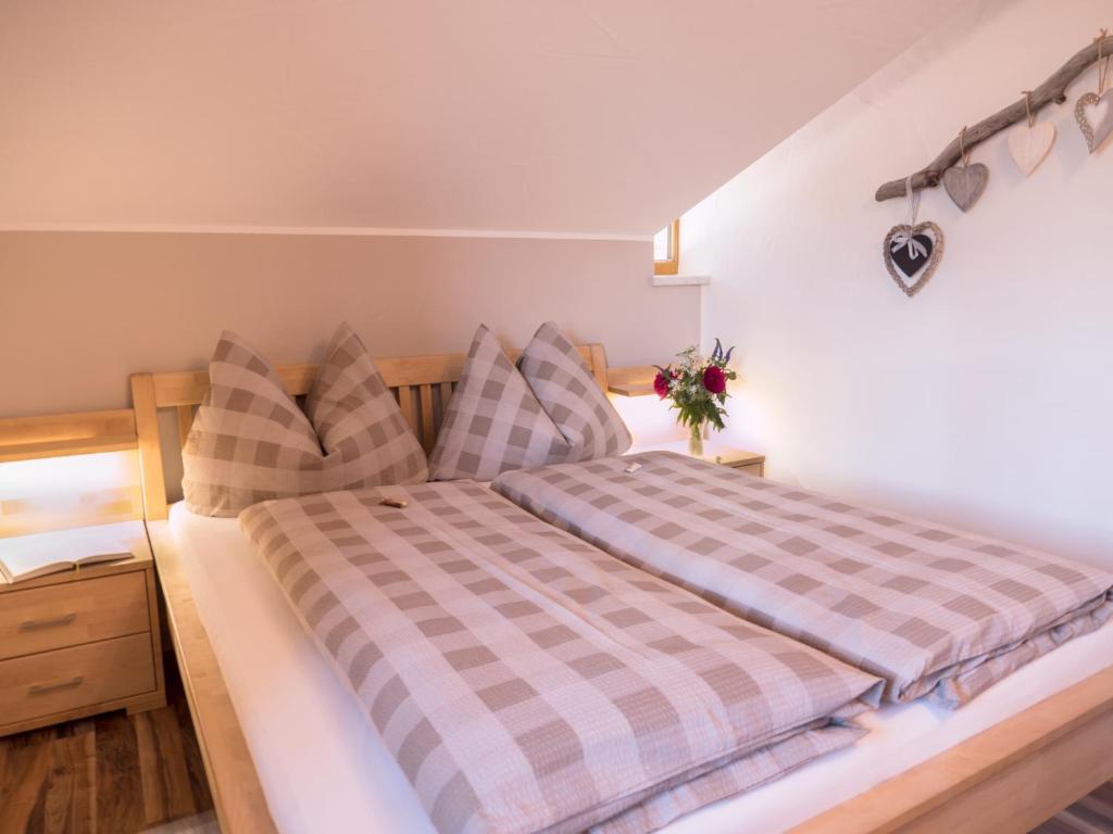 Apartment Haus Pitterl, Heinfels, Austria - Booking.com
