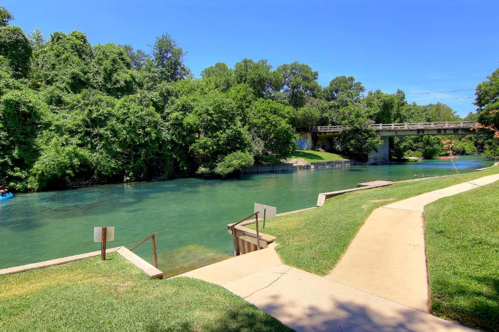 Treetop villa ic215 condo new braunfels tx - 2 bedroom suites in new braunfels tx ...
