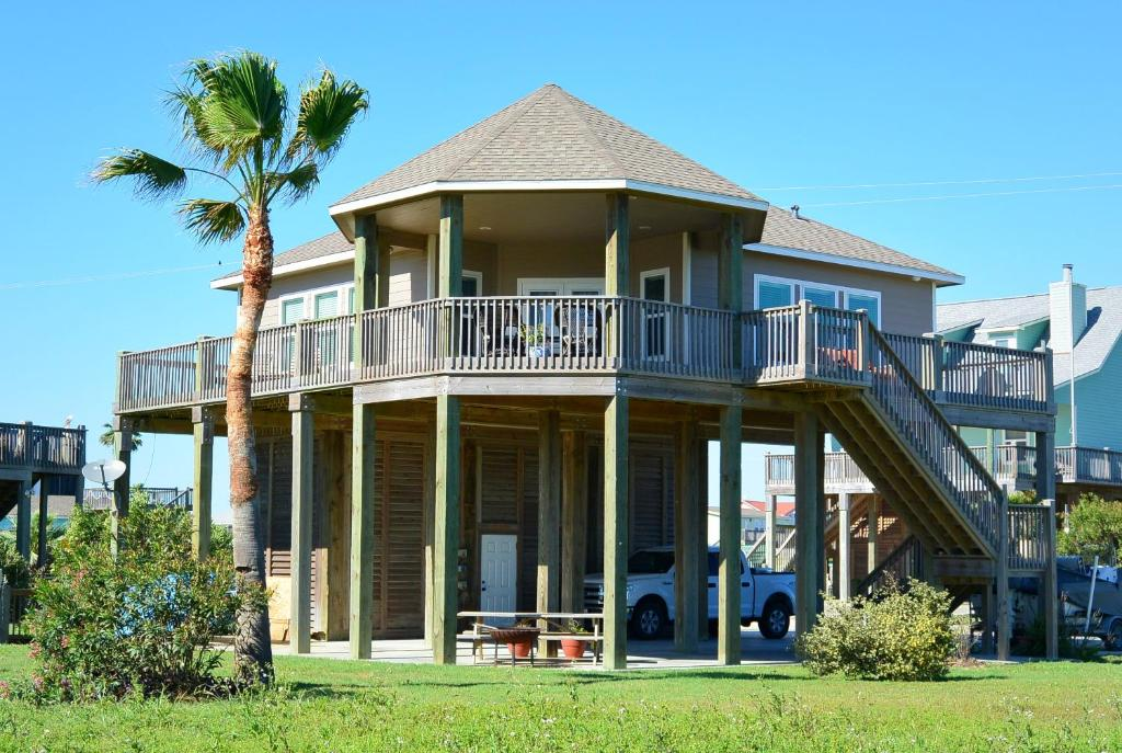 Vacation home miller 39 s landing home crystal beach tx for House landing