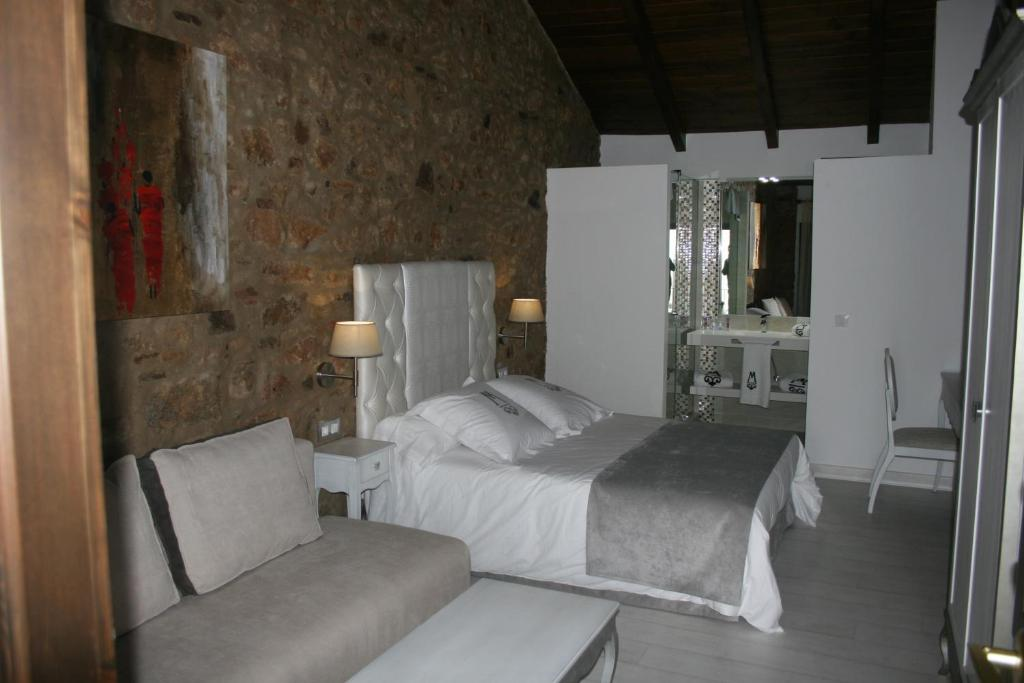 boutique hotels in villanueva de córdoba  16