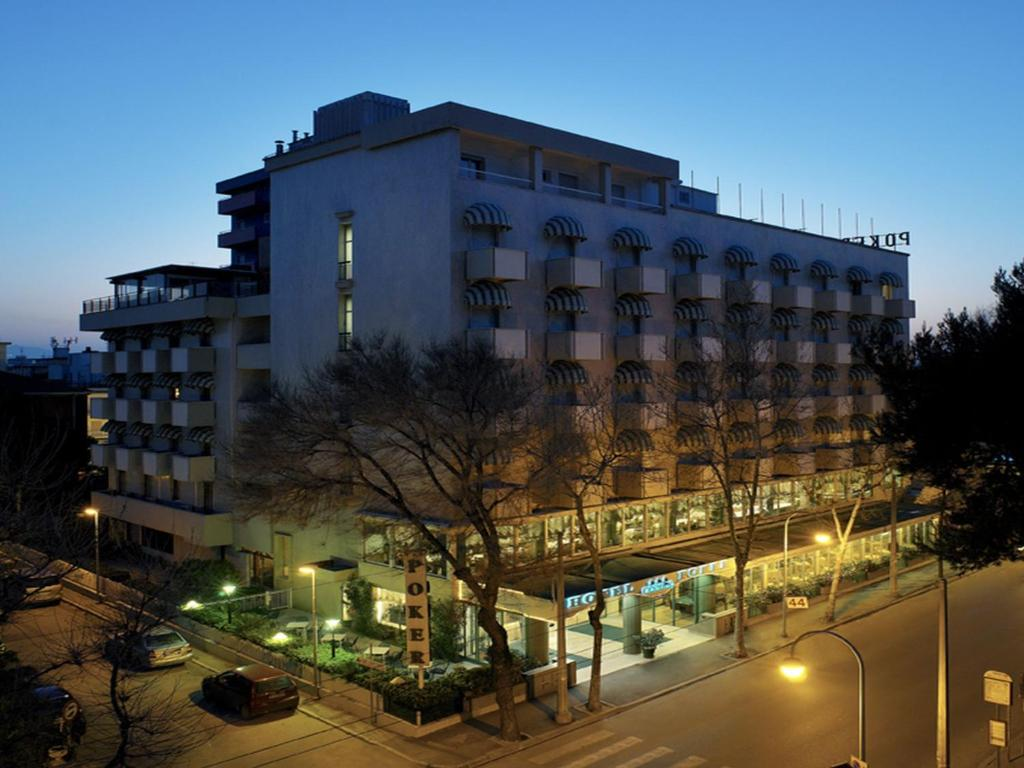 Hotel poker riccione italy for Reservation hotel italie gratuit