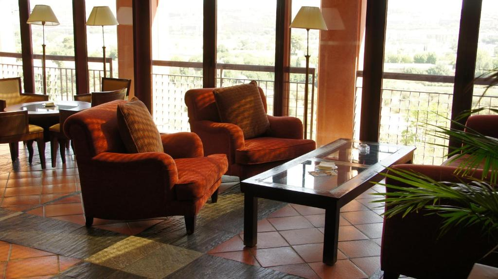 boutique hotels in toledo  59