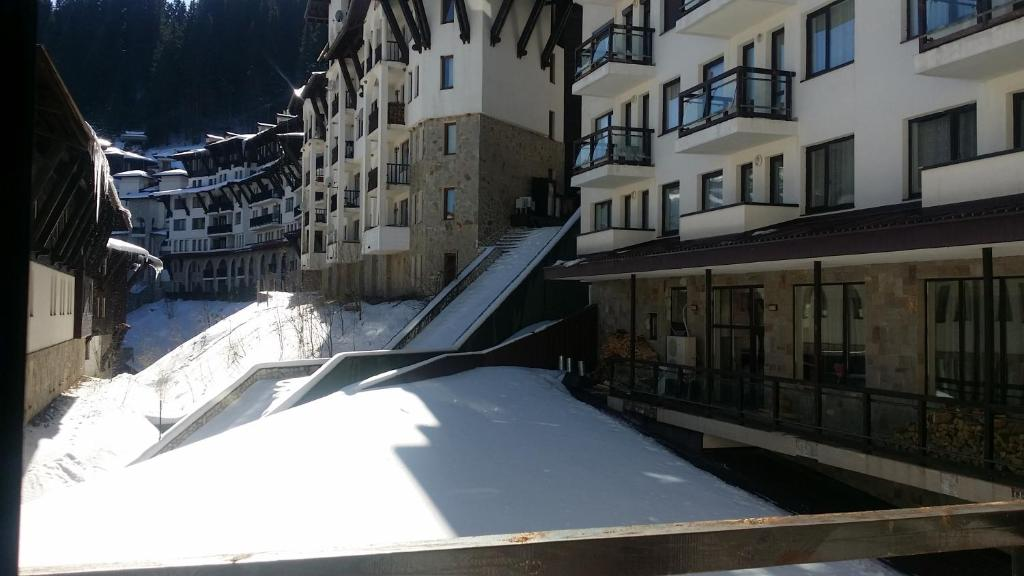Gallery image of this property & Condo Hotel Ski-to-door access Pamporovo Bulgaria - Booking.com