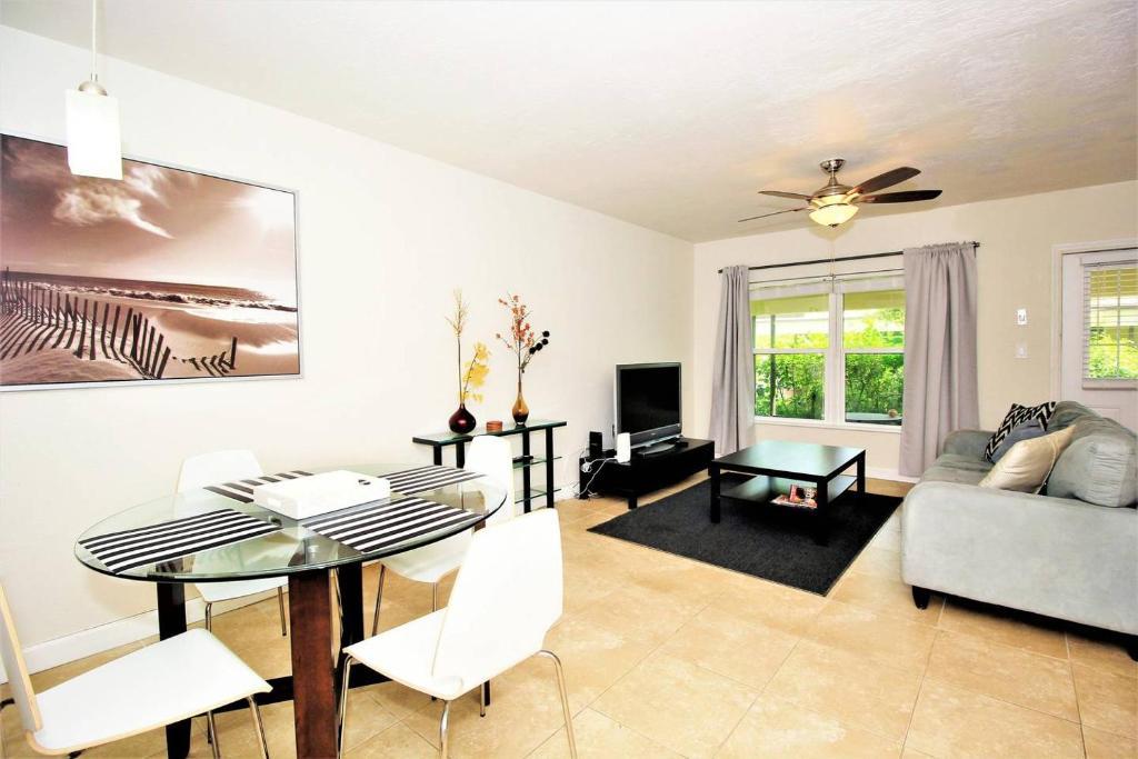 Apartments In Nurmi Isles Florida