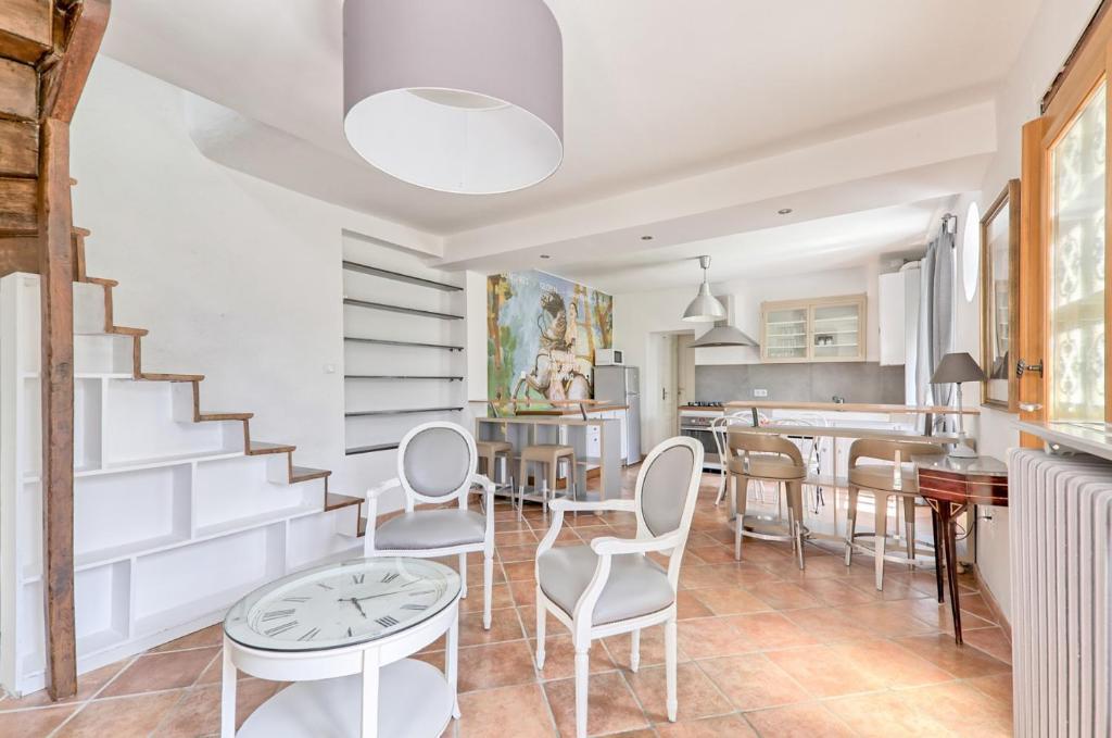 Apartments In Vignely Ile De France