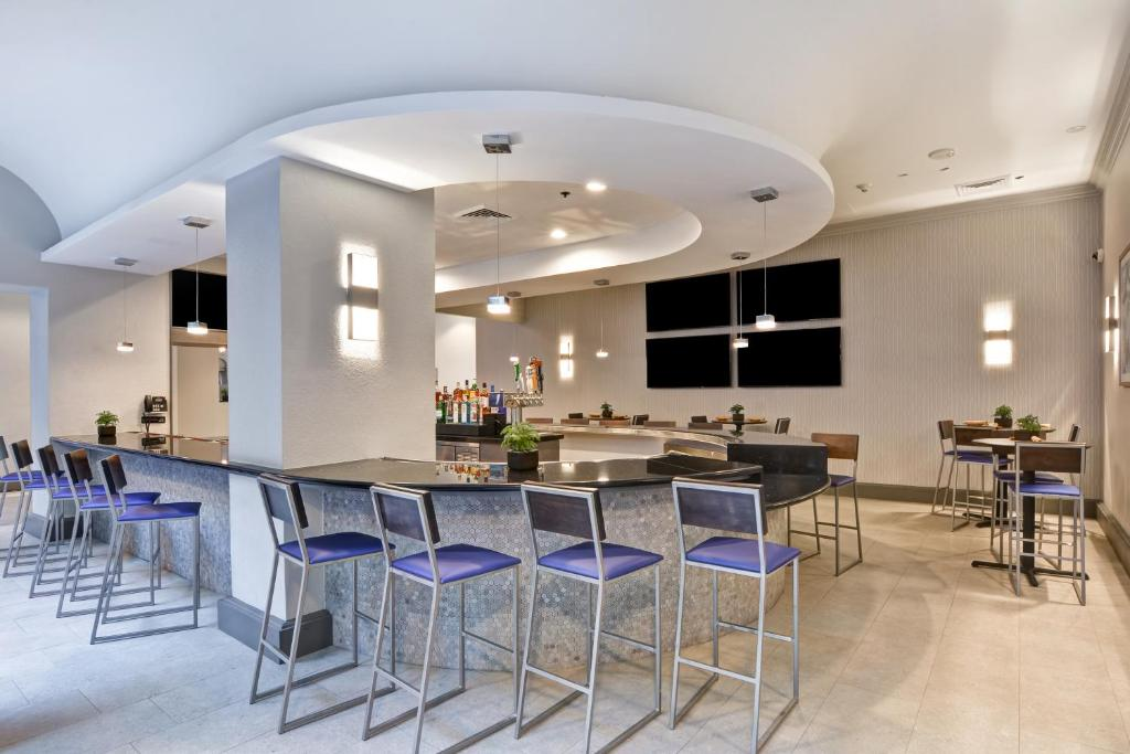 Emby Suites By Hilton Miami International Airport Reserve Now Gallery Image Of This Property