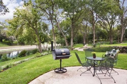 Comal River Cottages 403b New Braunfels Tx Booking Com
