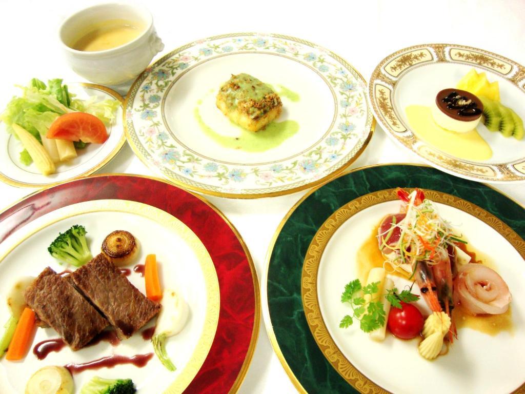 ポイント2.北欧風レストランで創作料理!
