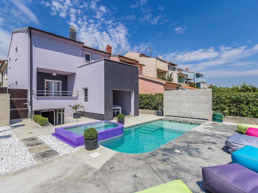 Apartment casa moderna pula croatia for Booking casas