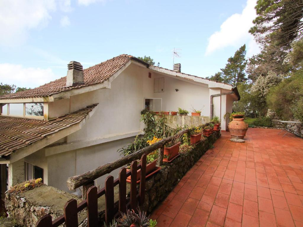 Nearby hotel : Apartment Il mare nel bosco Lerici