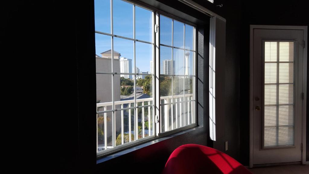 Apartment Luxury 2br 2ba Penthouse Balcony  Las Vegas  Nv