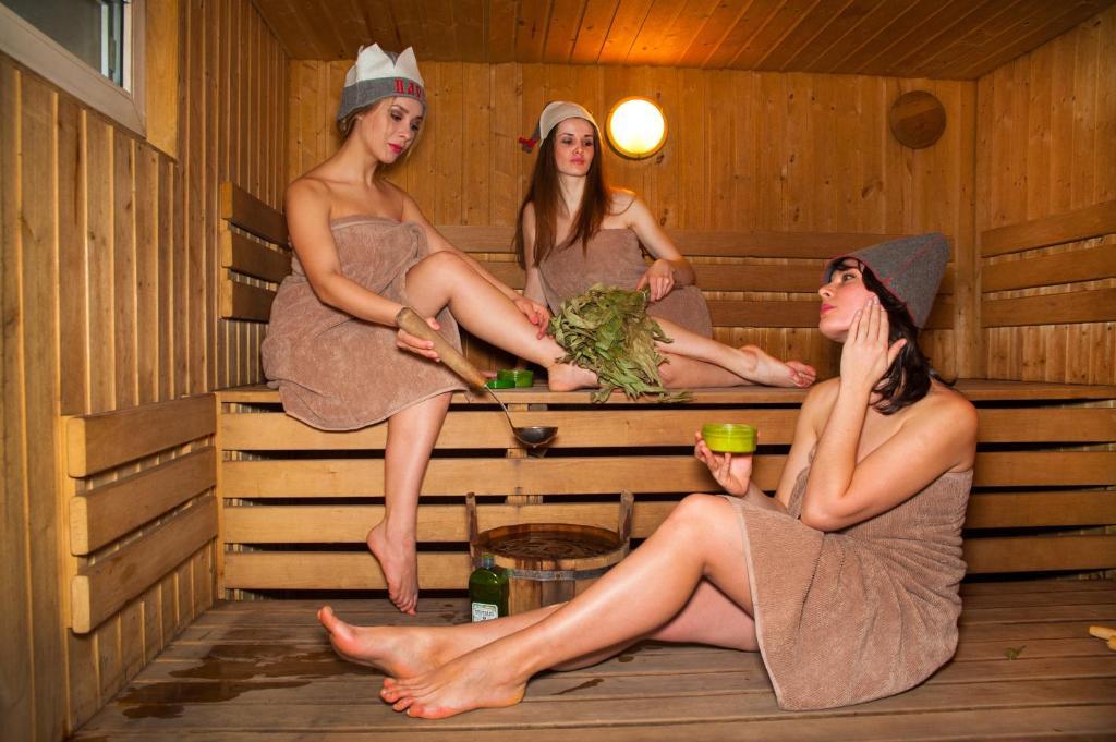 ох какая соблазнительная дама в бане выходе хозяин попросил