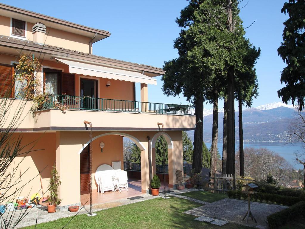 Nearby hotel : Apartment Residenza del Bosco Stresa