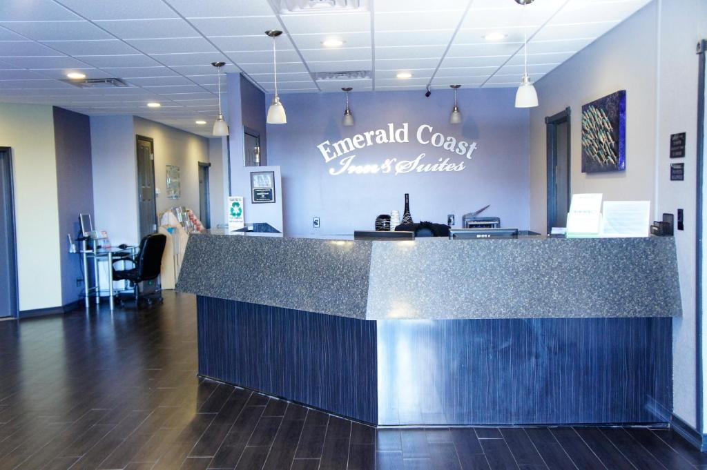 The lobby or reception area at Emerald Coast Inn & Suites