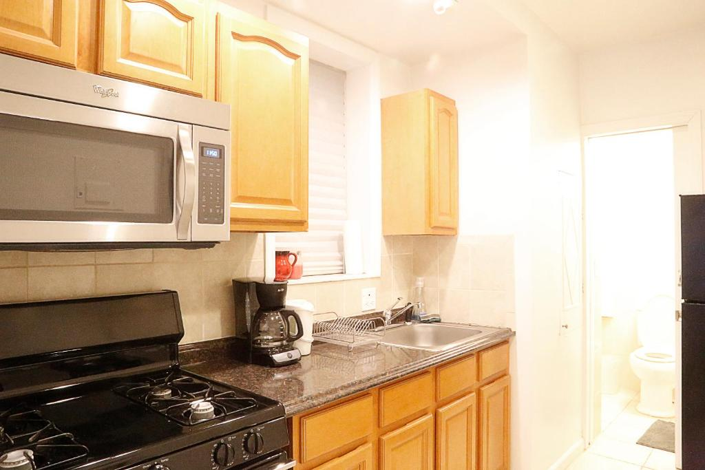 times square west midtown apartment new york city ny booking com