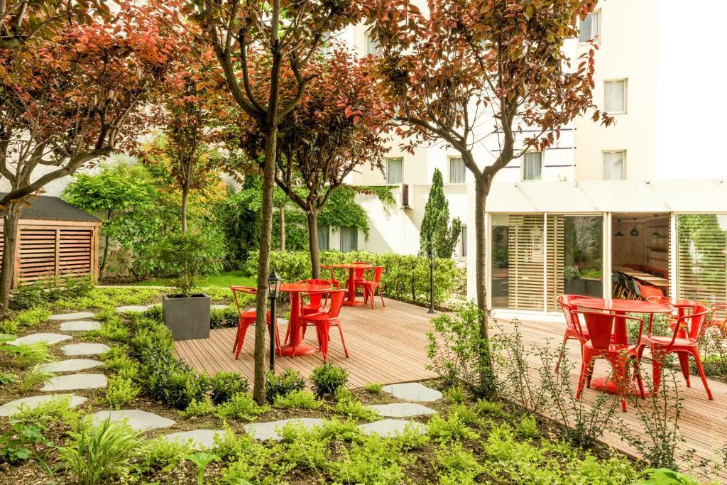 hotel ibis paris gare du nord la fayette france booking com rh booking com