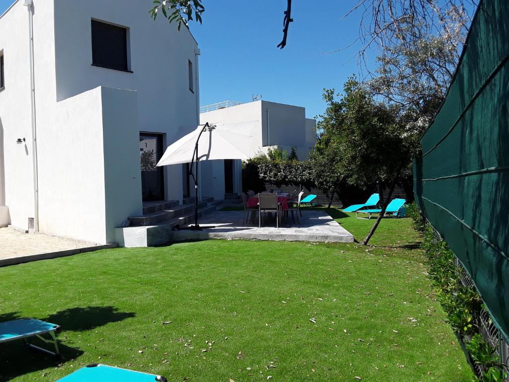 Villa Contemporaine En Bord De Plage Sete France Booking Com