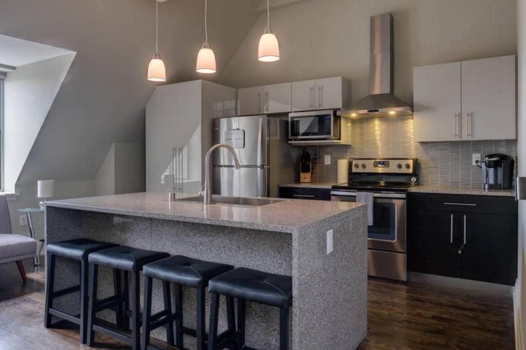 Downtown Penthouse Apartment Milwaukee Wi Booking Com