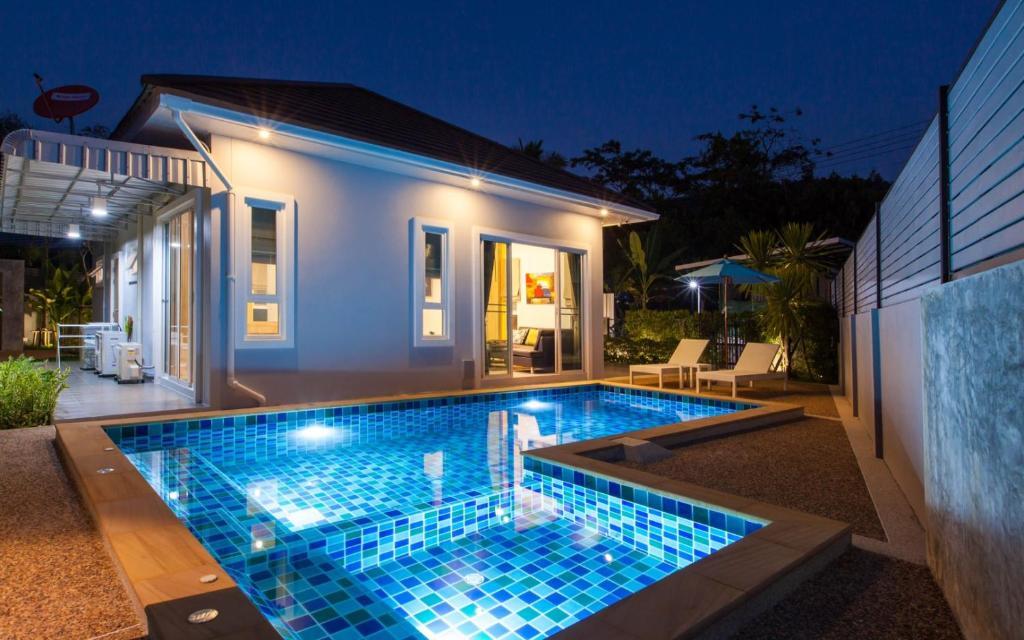 Breath taking 5 star pool villa ao nang krabi thailand for 5 star villas