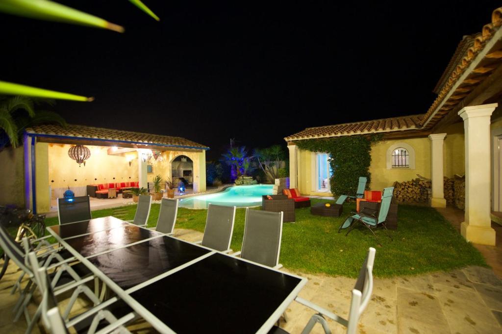 Villa 6 Chambres (Frankreich Vic-la-Gardiole) - Booking.com