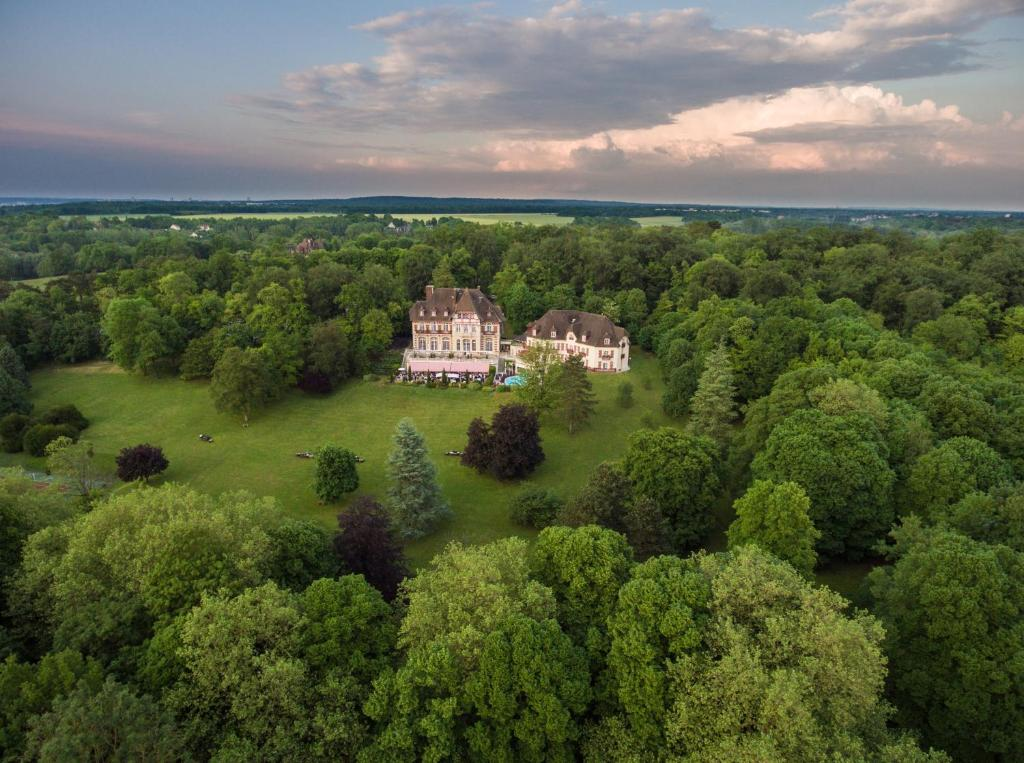 A bird's-eye view of Le Château de la Tour