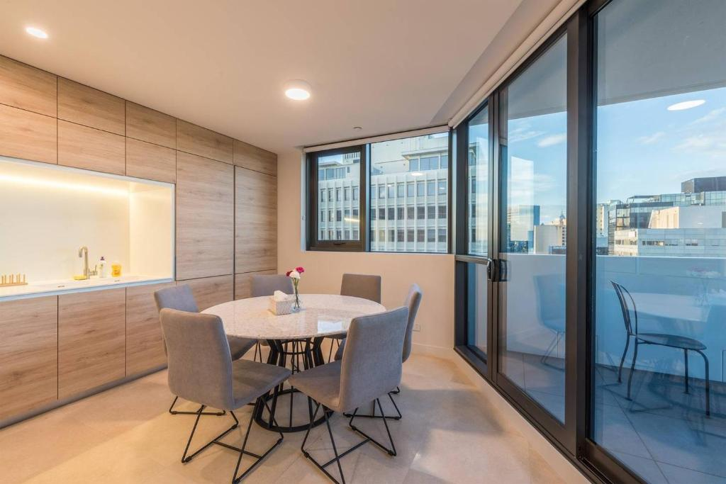 melbourne australia luxury apartments for rent latest. Black Bedroom Furniture Sets. Home Design Ideas