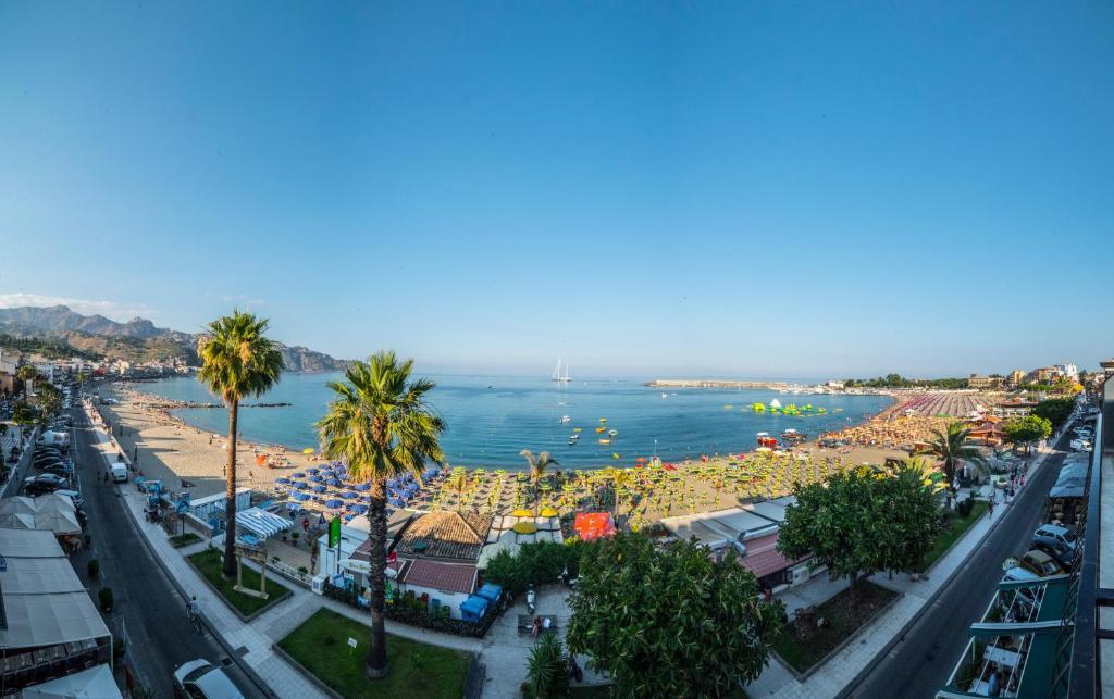 Hotel la sirenetta italien giardini naxos booking.com