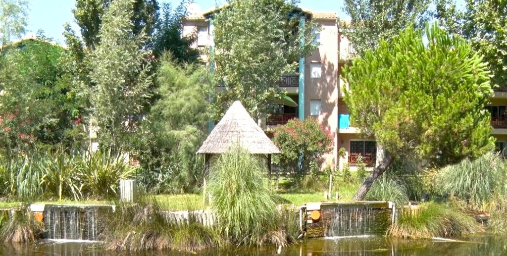 gallery image of this property - Jardins De Tivoli