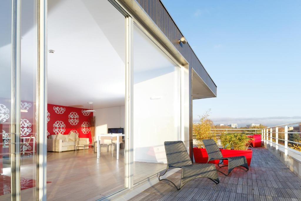 Apartments In Neuville-bosc Picardy