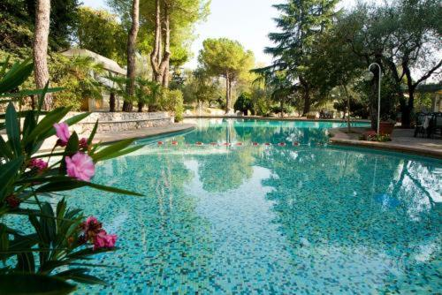 Bazén v ubytování Hotel Marco Polo nebo v jeho okolí