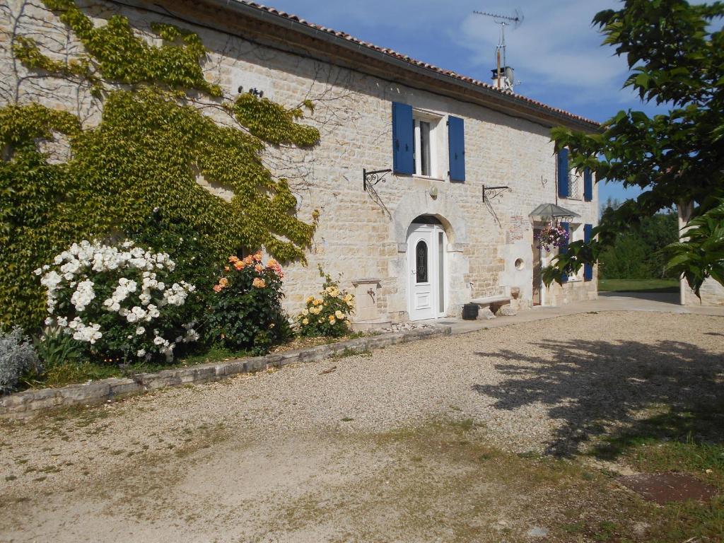 Apartments In Saint-front Poitou-charentes