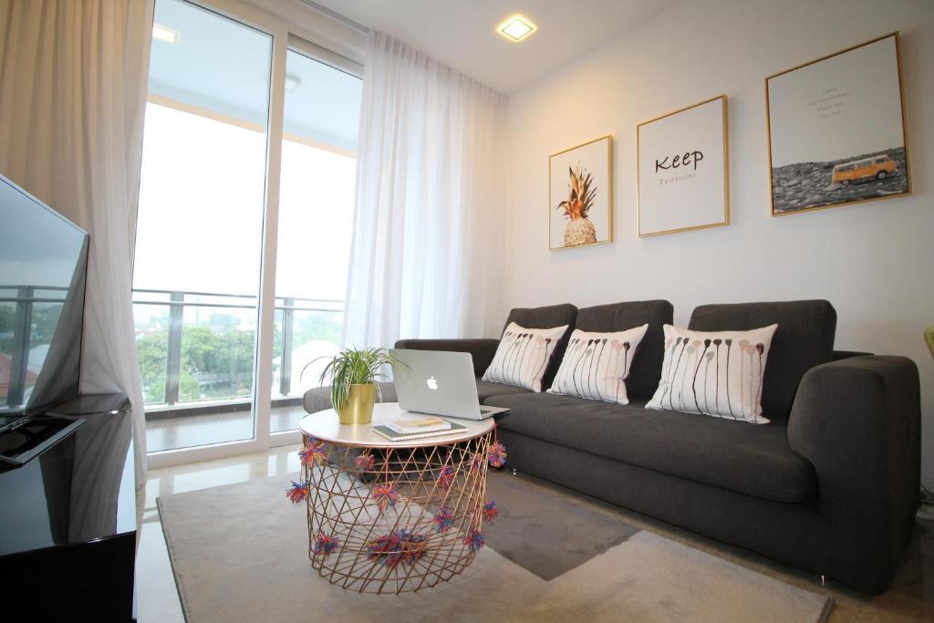 Ferienwohnung ☆4BR 1600sft Duplex @ Novena Central 用心的民宿 ...