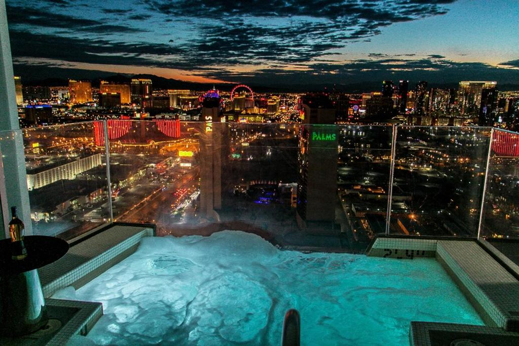 Your guide on how to have fun and understand the crazy environment that is today's Las Vegas With insightful writing, up-to-date reviews of major attractions, and a lot of