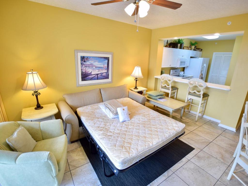 214 Destin West Gulfside Apartment, Fort Walton Beach, FL - Booking.com