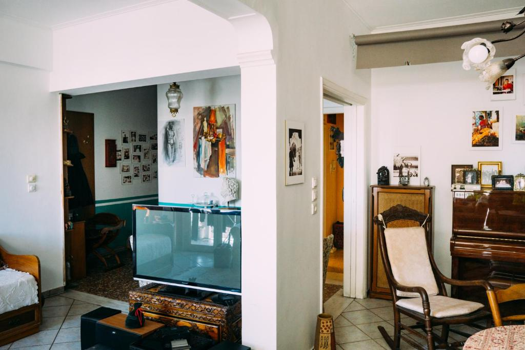 Gallery Image Of This Property · +23 Photos. Close ×. 3rd Floor Apartment