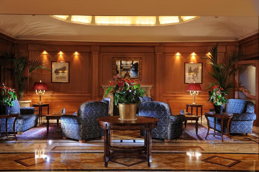 El vestíbulo o zona de recepción de Hotel Manzoni
