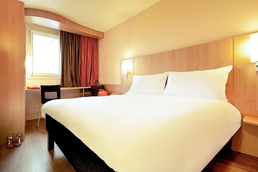 Hotel Ibis Beauvais Aeroport France Booking Com