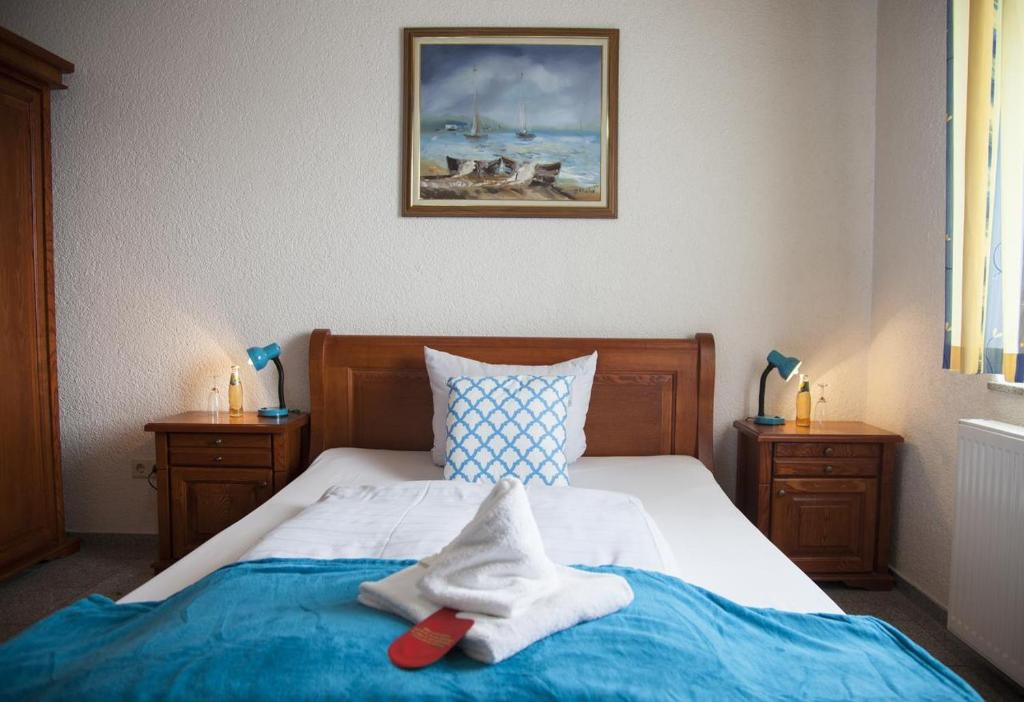 Hotel Atlantis Deutschland RamsteinMiesenbach Booking Classy Atlantis Bedroom Furniture Decor