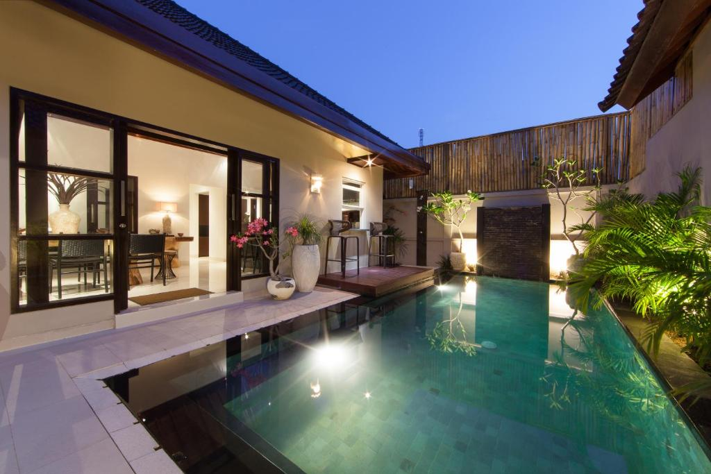 New Villa Basse Moderne 2018